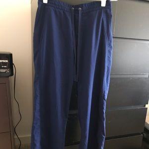 Navy scrubs gently-worn